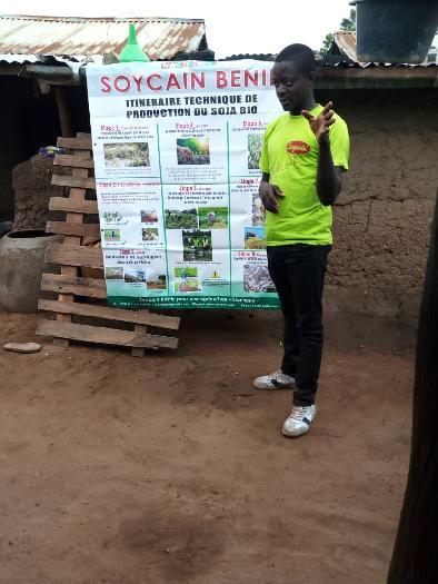 La formation des producteurs du soja biologique par Soycain Bénin