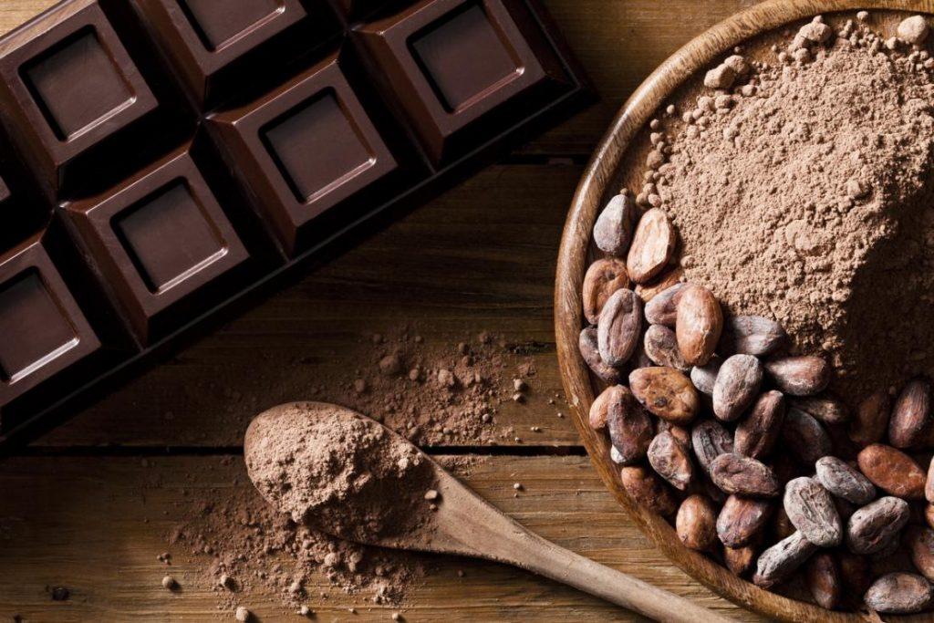 Transformation de cacao en Côte d'Ivoire : chocolat , poudre et graines de cacao